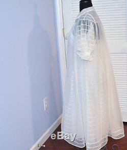 2 Day Sale $345 vtg Shadow Line bridal white 2 piece nylon lingerie peignoir set