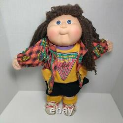Cabbage Patch Kids 1989 Girl Designer Line Free Admission Club Doll RARE