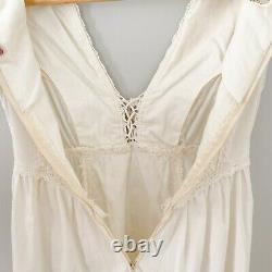Gunne Sax Extra Small XS  Vintage 70s Cream Lace Up A-Line Mini Dress Ivory