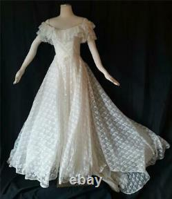 SOUTHERN BELLE 1970s Vintage Ruffled Lace Ballgown A-line Bridal Wedding Dress