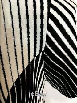 True 60s Bust 34 Op Art Princess Seam Dropped Waist Dress Knit Black White