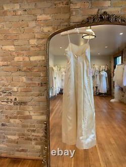 Vintage 1960s Satin A-Line Handmade Wedding Dress Bridal Simple Sweetheart XS