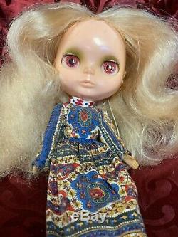 Vintage 1972 Kenner Blythe Doll Blonde with Original Dress Boots tagged 6 LINES