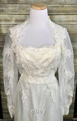 Vintage Victorian A-line Lace Sleeve Appliqué Ivory Country Wedding Dress Train